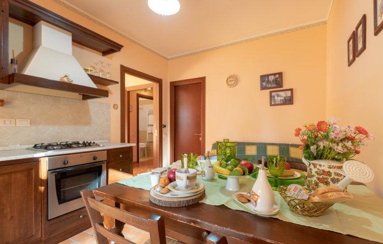 Agriturismo Umbria offerte per la tua vacanza tra Assisi, Gubbio e Perugia. Appartamenti con cucina. Piscina e giochi all'aperto per bambini.